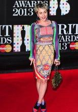 brit-awards-2013-jamie-winstone-red-carpet-JPG_172328
