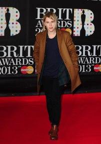 music-brit-awards-2013-red-carpet-1