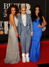 music-brit-awards-2013-red-carpet-6