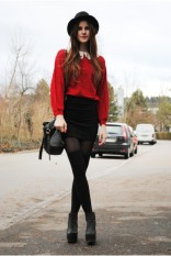 red-sweater-black-bag_400
